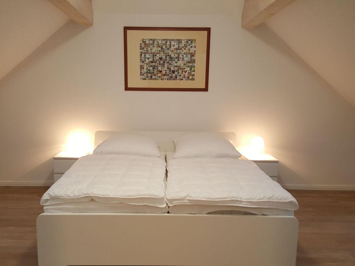 schlafzimmer-oben